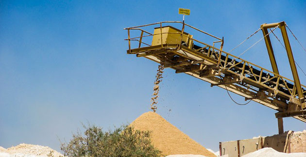 Sand Producer to Halt Distribution on Weakening Market Conditions